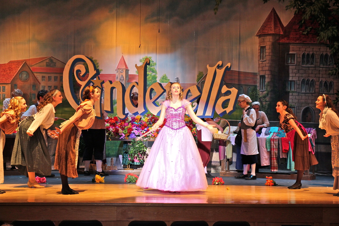 NORTH HILLS CHOIR & DRAMA - 2016: Cinderella